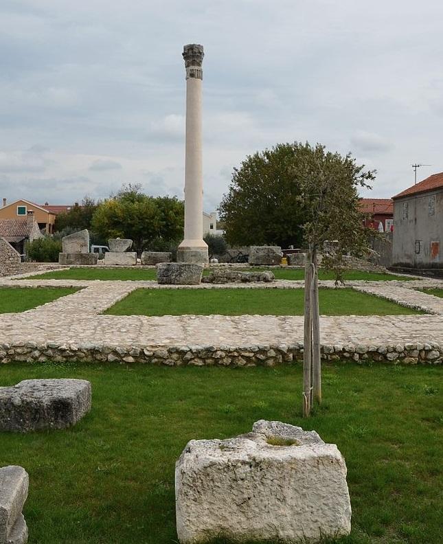 The_Capitolium-Nin-Croatia-2